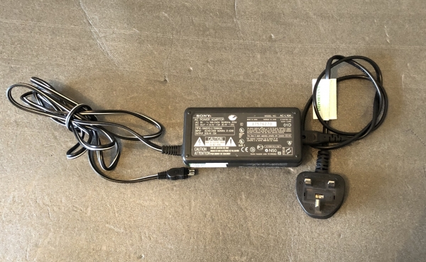Genuine Sony AC-L10A AC Power Adapter Original by UKgoodbye