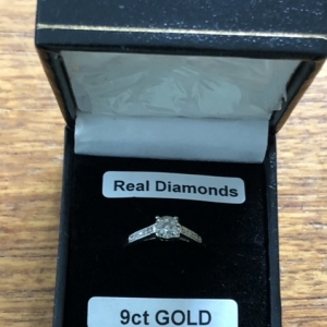 Ladies women 9ct 9 carat white gold diamond ring UK size M